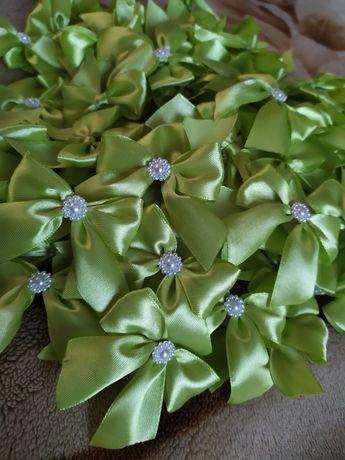 Бутоньєркі квіточки (бантики) для гостей, батьків