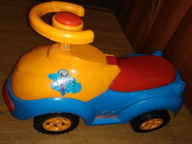 Машина толокар детская