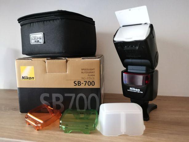 Lampa Nikon SB700 jak nowa
