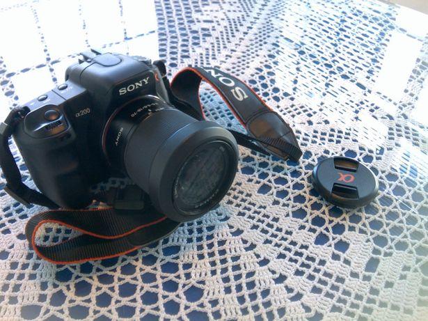 Vendo maquina fotografica sony A200