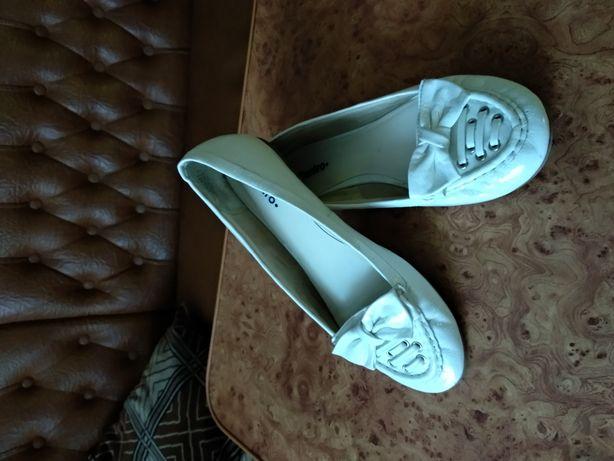 Туфли белые .Балетки