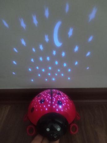 Projektor gwiazd biedronka