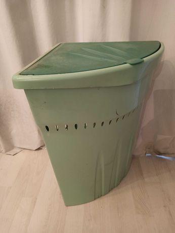 Kosz na pranie narożny zielony plastikowy