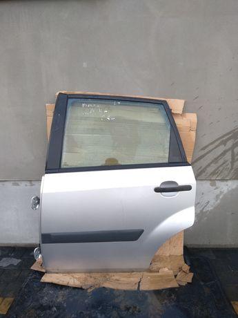 Drzwi lewe tylne lewy tył Ford Fiesta MK6 lift kompletne 06r