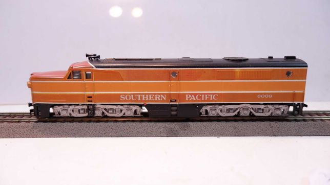 Lokomotywa diesel Arthearn  Southern Pacyfic 6009 skala H0   //46