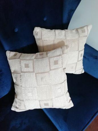 Komplet 2 poduszki beżowe zapinane na zamek