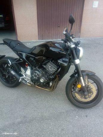 Honda CB  Honda CB1000R