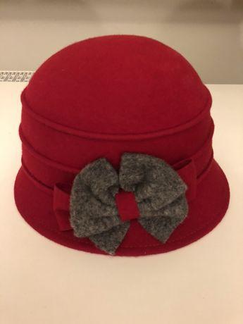 Sliczny wloski kapelusik damski