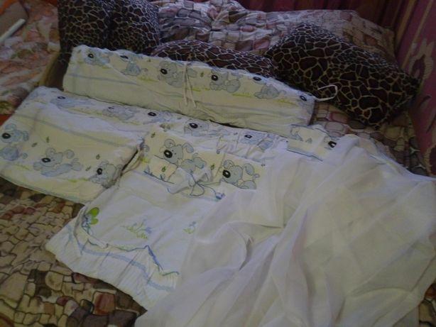 Набор в кроватку с матрасом