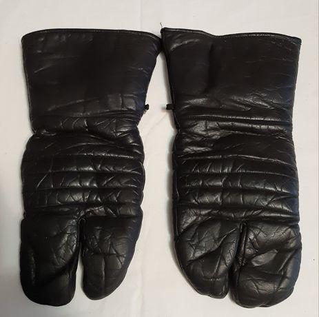 Двухпалые перчатки