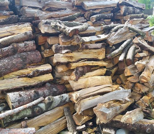 Sprzedam drewno opałowe. Okazja 75 zł kubik metrów.