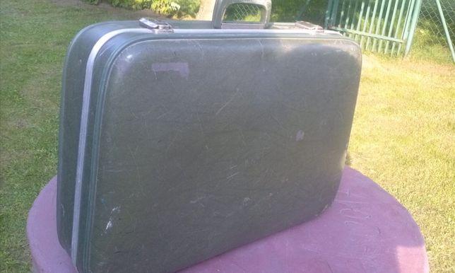 Stara walizka turystyczna sprawna ciemno zielona