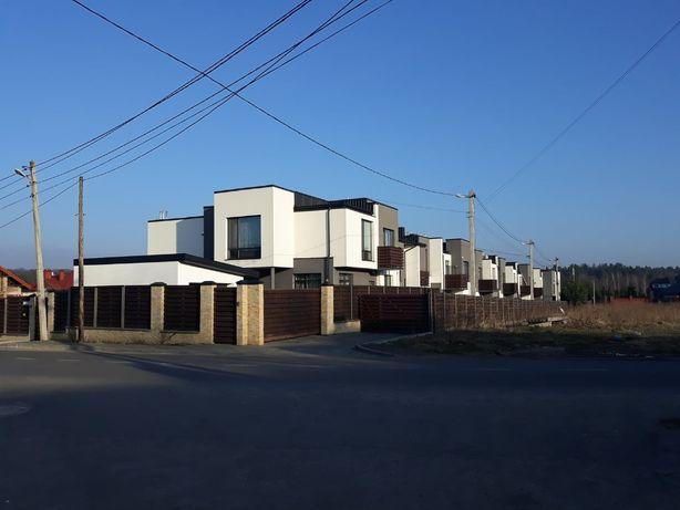 Будинок, котедж, таунхаус, Брюховичі, Поле чудес, ремонт, гараж
