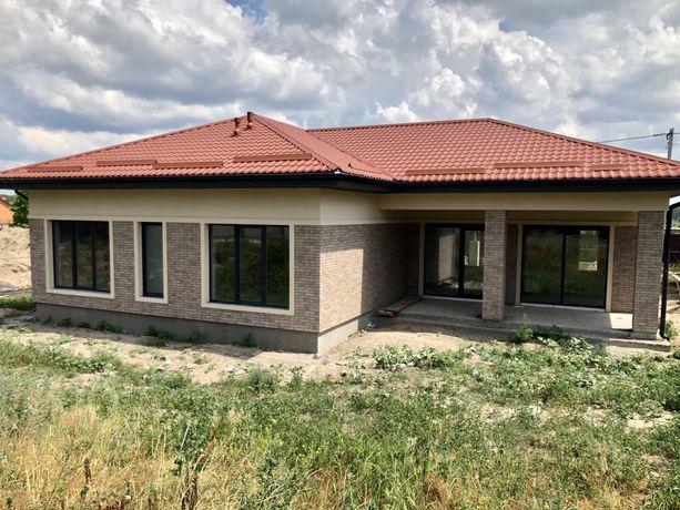Продаётся просторный дом,собственного проекта ! Стоянка ! 170000$