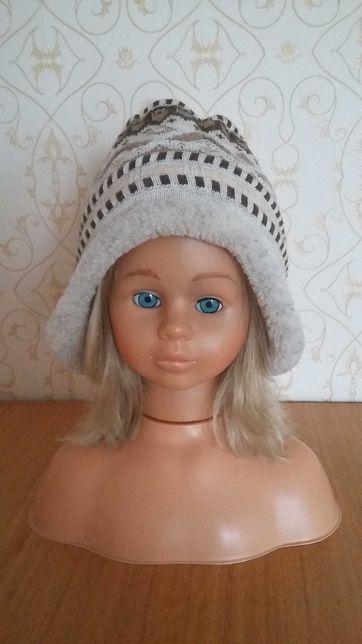 Zimowa bezowa czapka w stylu norweskim