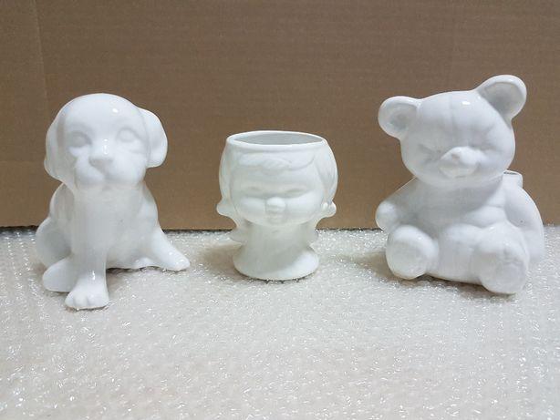 Figurki białe