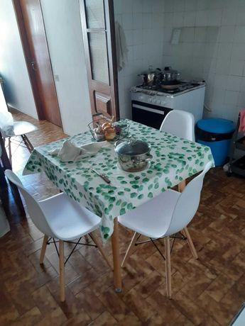 Mesa cozinha com 4 cadeiras JOM