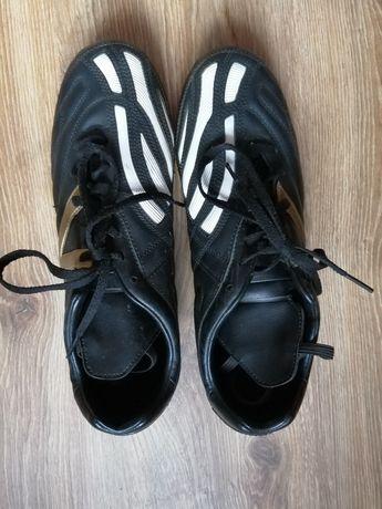 Buty sportowe halówki korki męskie.