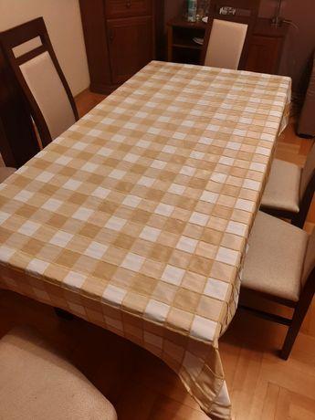 Obrus na  stół  w kratkę