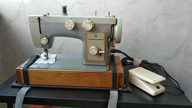 Швейная машинка Чайка-142М б/у в отличном состоянии с электроприводом