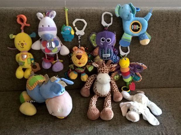 PELUCHES e outros brinquedos