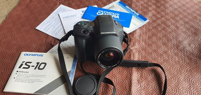 Máquina fotográfica de rolo Olympus is 10
