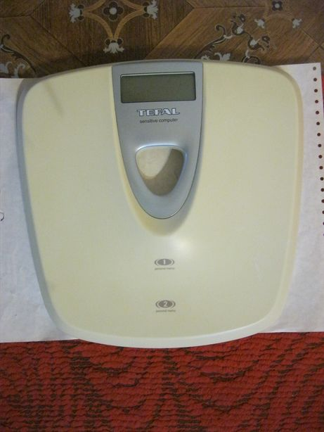 Продам весы напольные TEFAL