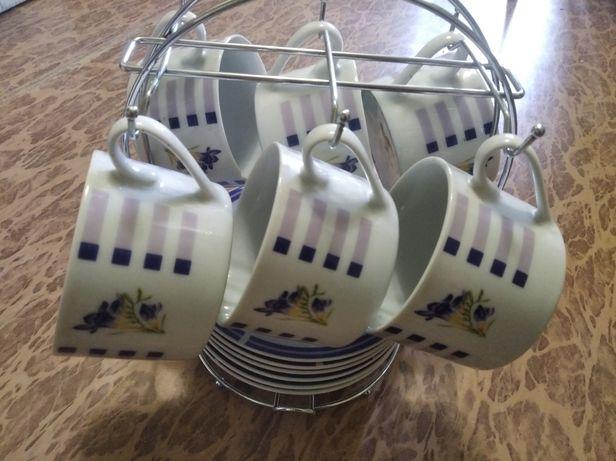Набор чайный на подставке (чашки и блюдца)