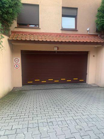 Kawalerzystow/Zwycieska miejsce postojowe w garażu + komórka lokat.