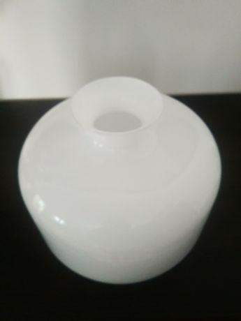 Wazon biały ozdobny Agata Meble 22x18cm