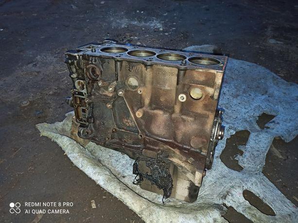 Блок двигуна двигателя BMW e36 1.8