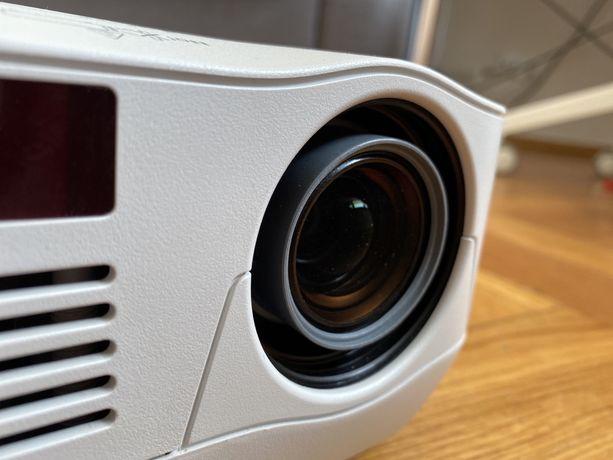 Projektor rzutnik Nec V260