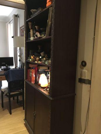 Móvel estante portas e prateleiras