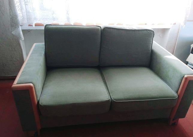 Zielona sofa, nierozkładana