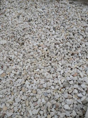 grys biały, grys Biała Marianna, grysy ozdobne, kamienie ogrodowe