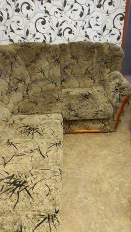 Продаю угловой диван!