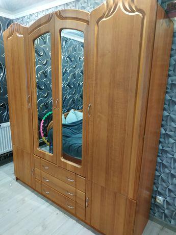 Продам шкаф в гарному стані