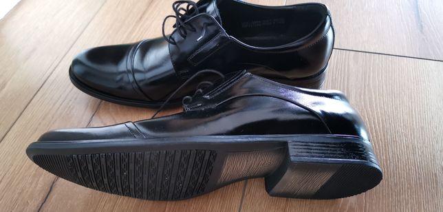 Buty wizytowe Conhpol rozmiar 42 długość wkładki 28.5 m Nowe.