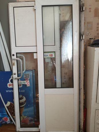 Продам металлопластиковую наружную дверь б/у