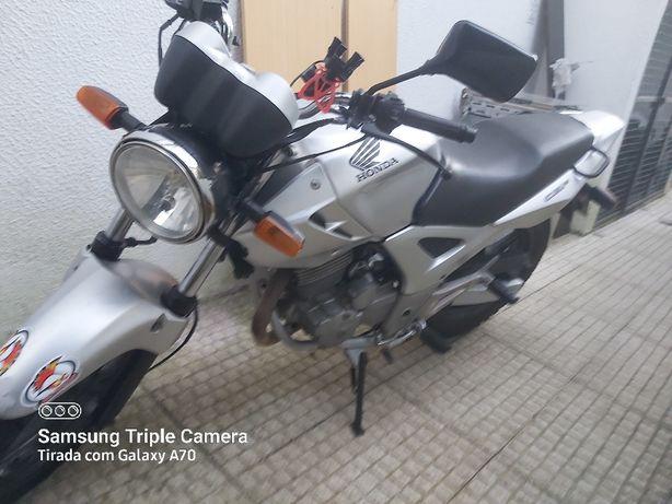 moto twister 250 impecável