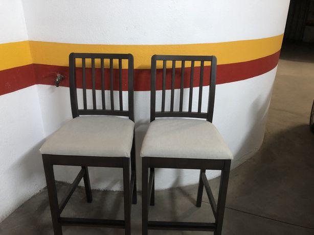 Cadeiras alta