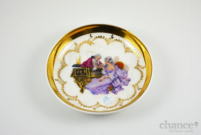 Covilhete da Vista Alegre c/ decoração galante - marca 47-68