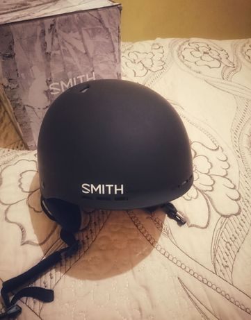 Продам горнолыжный шлем Smith Holt