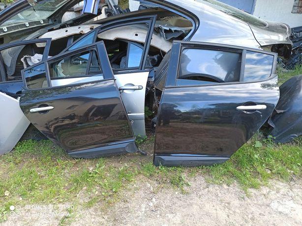 Дверка задня права ліва Renault Megane 3 хетчбек