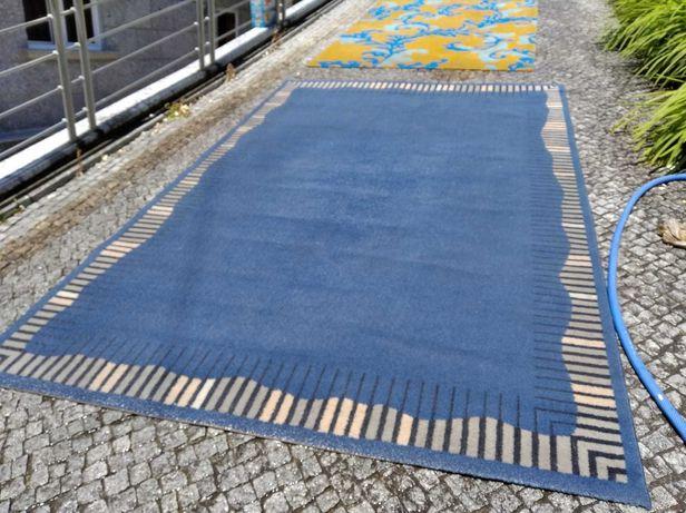 Carpete azul 1,87 mt. x 1,67 mt
