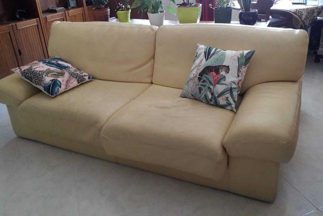 Sofá de sala cor beje