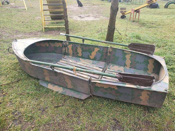Продам 3-х секционную алюминиевую лодку Малютка 210м.