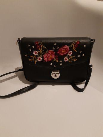 Torebka Orsay z motywem kwiatowym
