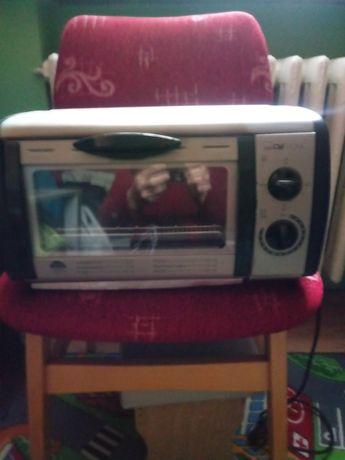 Mały elektryczny piekarnik