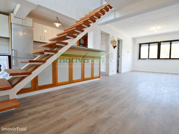 T3 Duplex com excelente exposição solar em Telheiras, Lis...